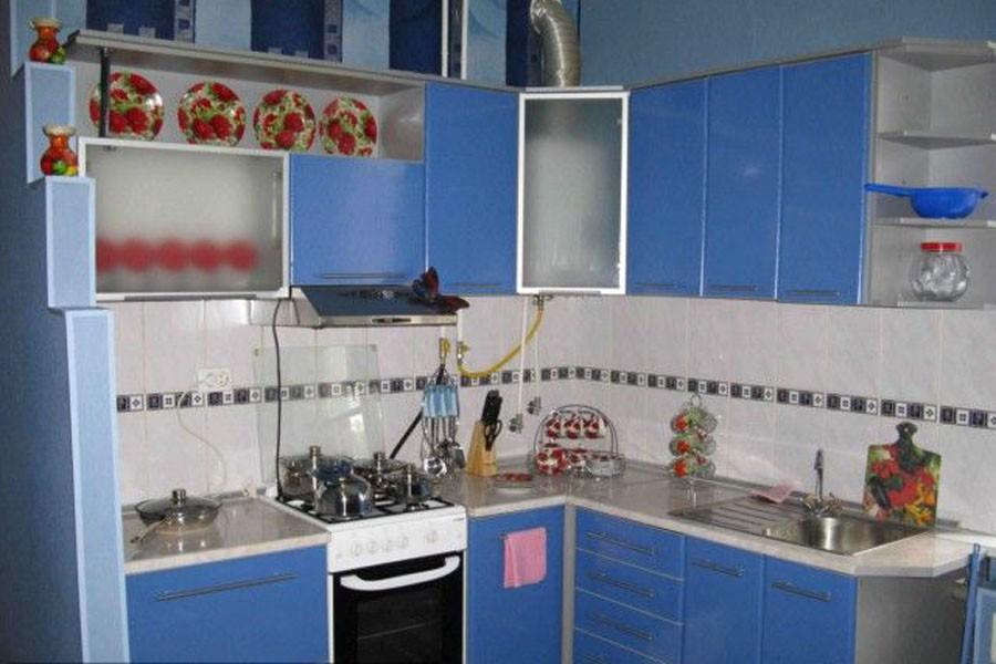 Кухни с колонкой фото