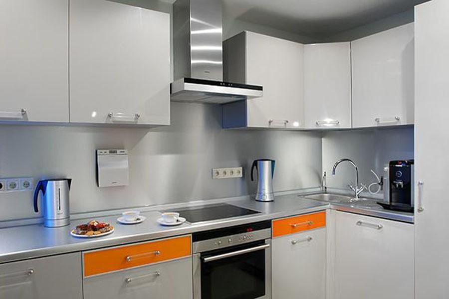 Кухня 5 кв м дизайн с газовой колонкой